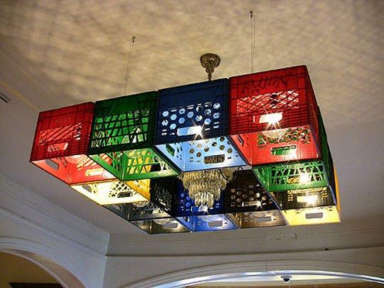 lampara-caja-de-plasticos